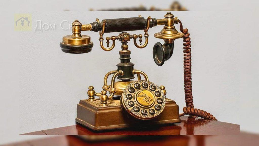 Кто первым придумал телефон